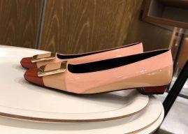 Roger Vivier经典款漆皮方扣平底单鞋