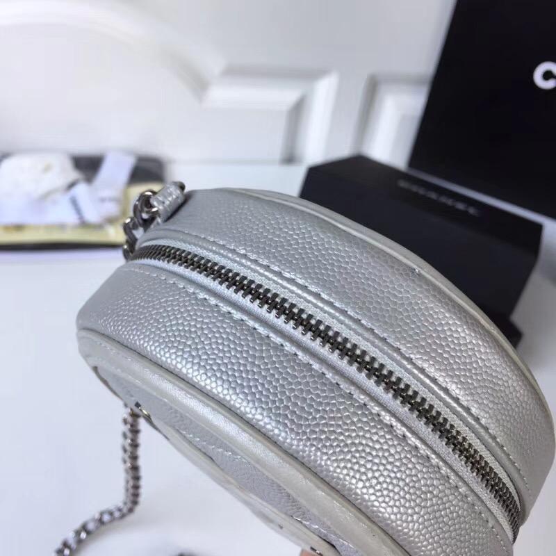网红银色鱼子酱相机香奈儿链条包