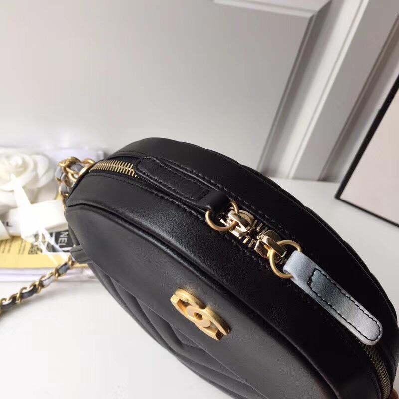 黑色V线圆饼A57110香奈儿飞碟包