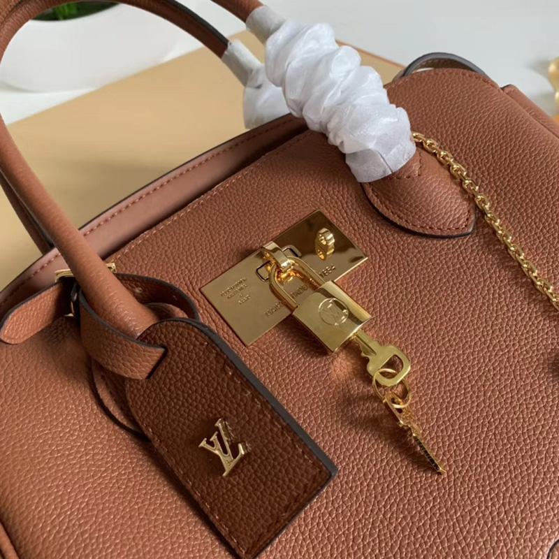 M51684 LV MILLA 小号手袋 Veau Nuage小牛皮女包 LV单肩手提包 棕色