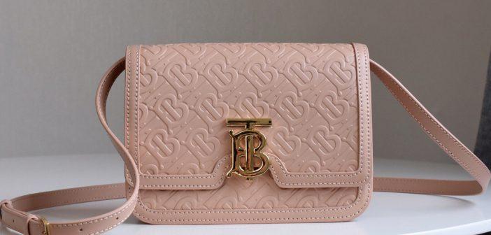burberry包包经典款 巴宝莉BT压印皮革单肩包颜色:粉色